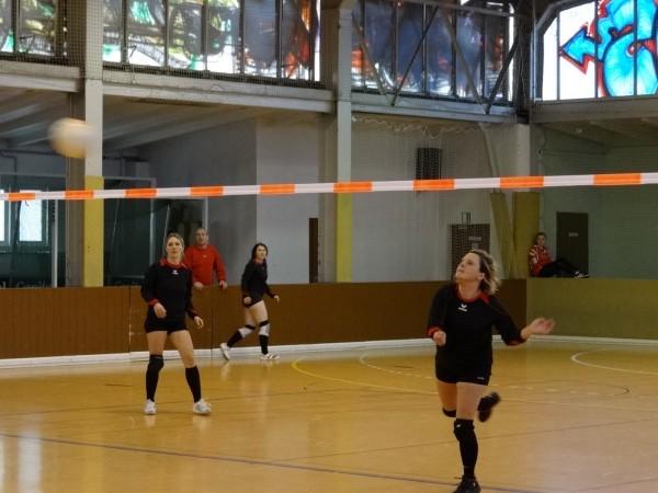 ESV Dresden Frauen beim Faustball